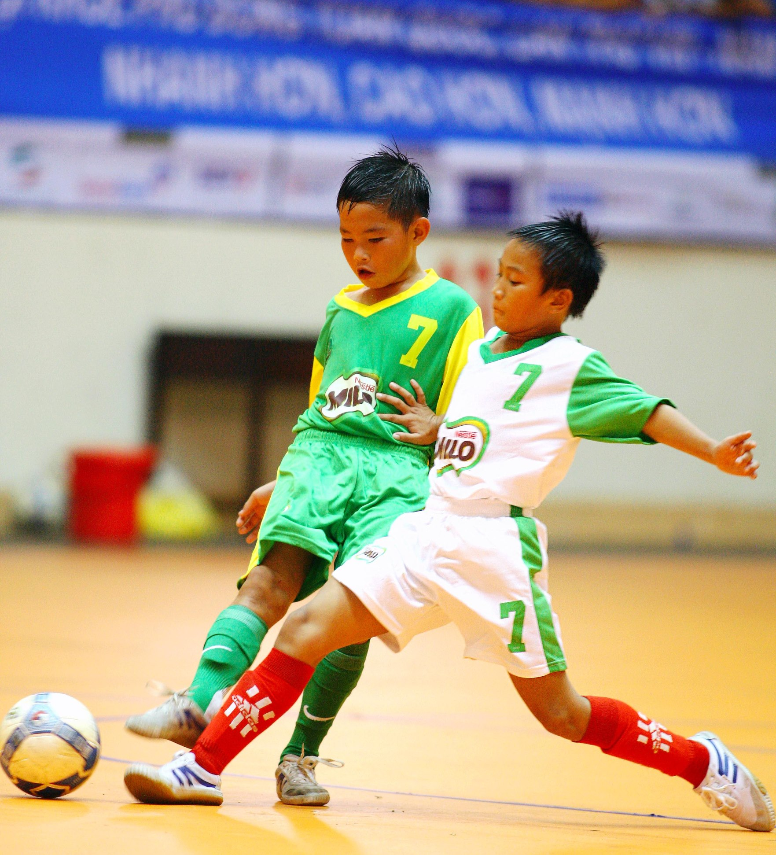 Là môn thể thao vua đối với mọi độ tuổi trên thế giới cũng như tại Việt Nam, môn bóng đá luôn thu hút sự tham gia đông đảo của các em học sinh. Giải bóng đá HKPĐ toàn quốc Cúp MILO đã tiếp cận được rất nhiều trẻ em tại nhiều tỉnh thành khác nhau, góp phần đẩy mạnh phong trào thể thao trong trường học suốt nhiều năm qua.