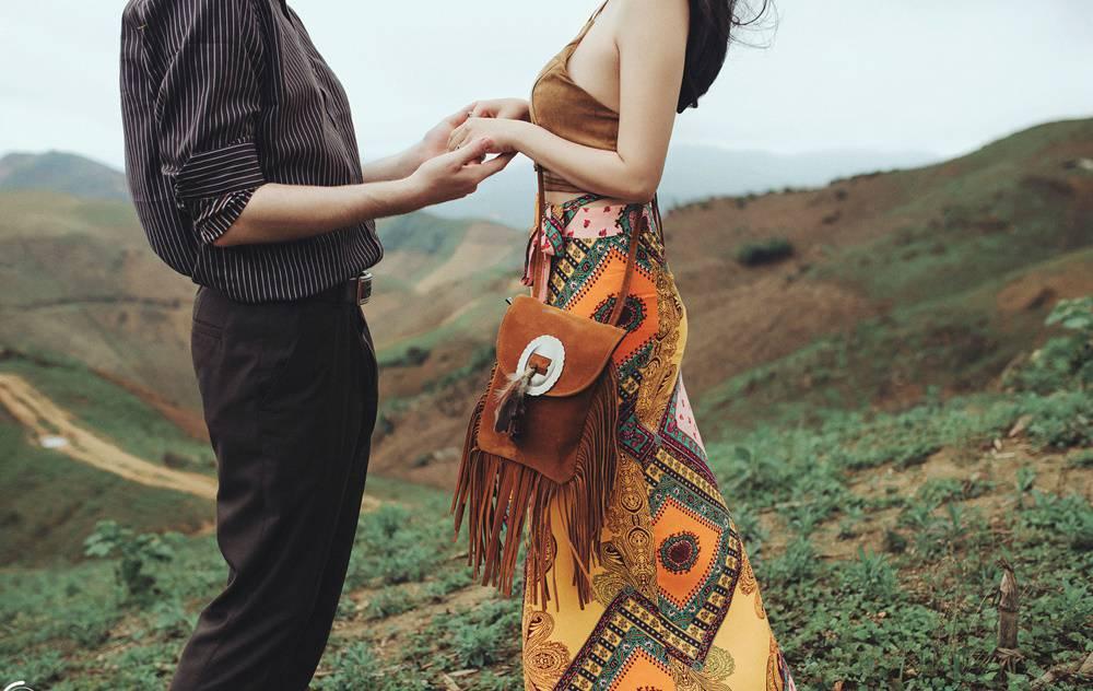 """Cộng đồng mạng - Chuyện tình """"quay số trúng nụ hôn"""" của cô dâu Việt và chú rể ngoại quốc gây sốt (Hình 3)."""