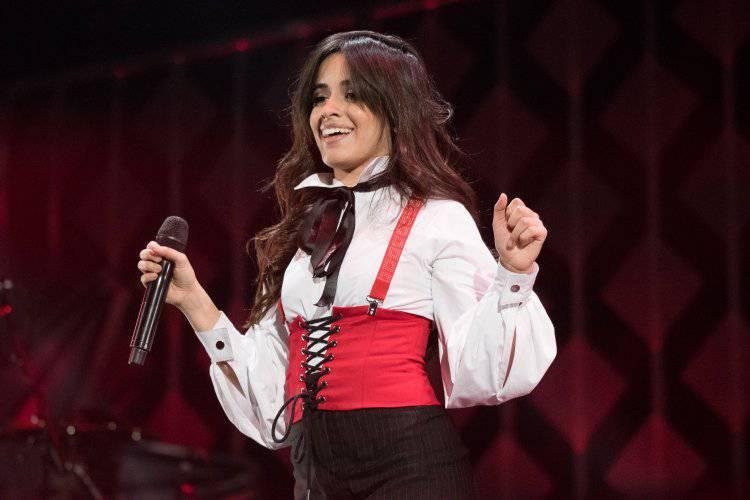Trái với hình ảnh vui nhộn quen thuộc, Camila Cabello cũng dành vài lời cho Aretha.