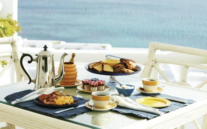 Vì sao khách sạn thường phục vụ bữa sáng miễn phí - 1