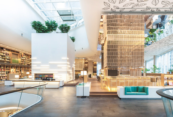 Tổ hợp Open House đang trở thành địa danh được giới trẻ Bangkok yêu thích bởi không gian rộng rãi, mãn nhãn, thiết kế đẹp chẳng kém gì một công trình kiến trúc nghệ thuật. Khu tổ hợp nằm tại tầng 6 của trung tâm thương mại cao cấpCentral Embassy, thủ đô Bangkok.