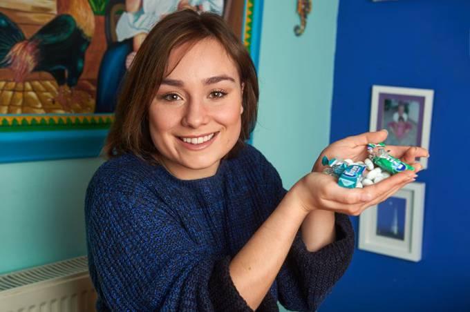 Hiện Megan đã bỏ được thói quen nhai kẹo cao su và cải thiện sức khỏe.