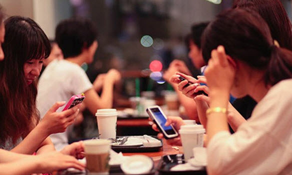 Sức khỏe - Ngày nào cũng lướt Facebook like – comment: Vì sao dễ cô đơn, trầm cảm?
