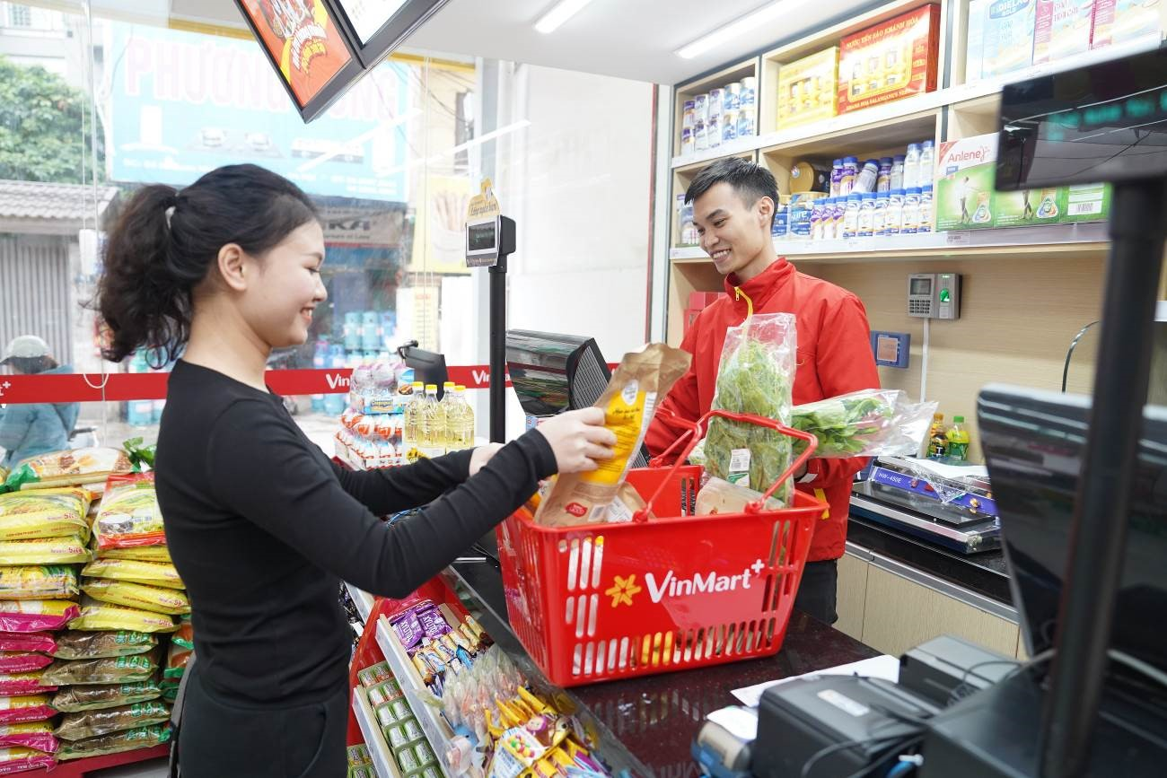 Khai trương thần tốc, nhưng chất lượng các siêu thị, cửa hàng VinMart & VinMart+ vẫn được đảm bảo và được người tiêu dùng đánh giá cao, từ chất lượng hàng hóa cho tới thái độ phục vụ