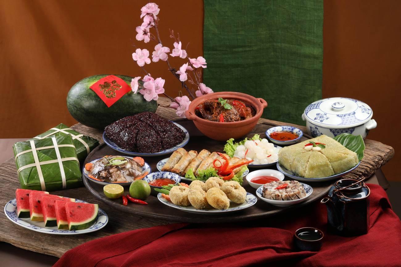 Mâm cơm Tết miền Bắc của VinMart Cook với đa dạng các món quen thuộc với văn hóa ẩm thực của người dân miền Bắcp/