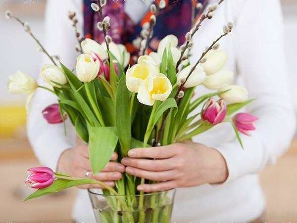 Gia đình - Mẹo giúp hoa tươi lâu trong ngày Tết Nguyên Đán (Hình 2).
