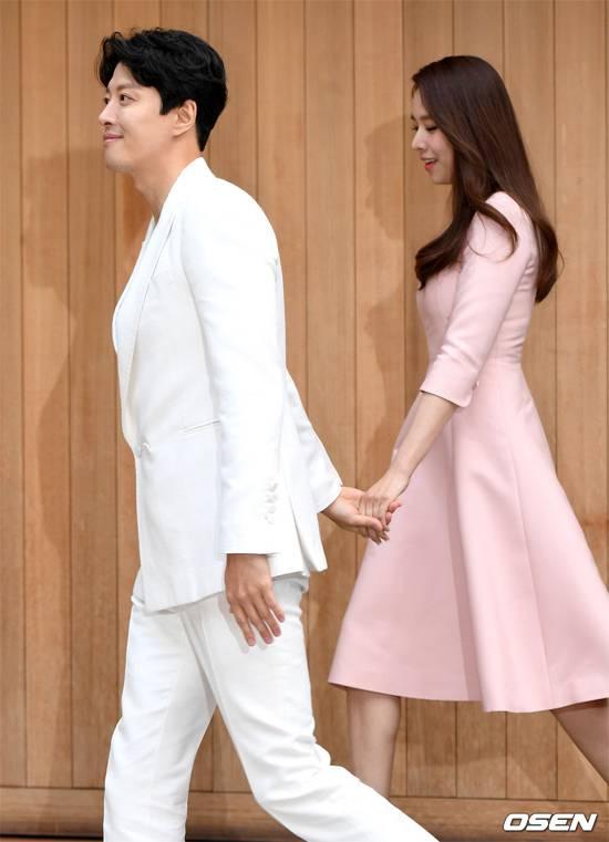 Vợ chồng Lee Dong Gun,