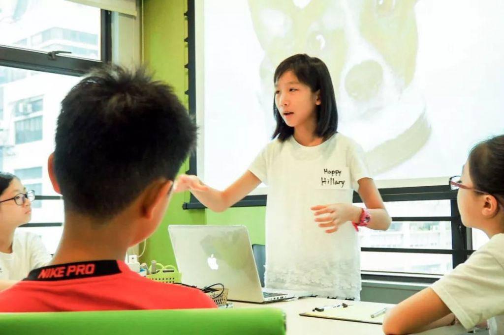 Gia đình - Từ cách giáo dục hiện đại của mẹ, cô bé 12 tuổi sở hữu riêng cho mình một công ty