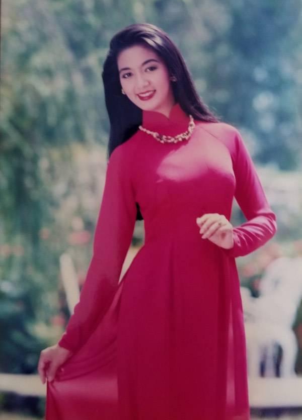 Nhiều đồng nghiệp, khán giả tiếc nuối khi Hoa hậu Điện ảnh 1992 giải nghệ, theo chồng quá sớm. Sau khi kết hôn, cô không còn hoạt động nghệ thuật, chỉ ở nhà làm nội trợ, bằng lòng với vai trò làm vợ, làm mẹ.