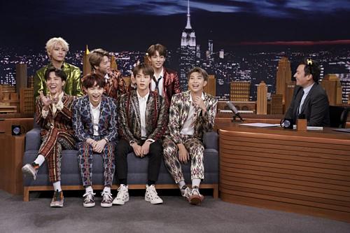 Nhóm nhạc BTS tham gia một chương trình tại Mỹ năm ngoái. Ảnh: AFP