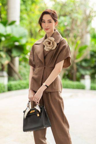 Giải trí - Showbiz rực rỡ: 8 mỹ nhân Việt mặc đẹp nhất tuần (Hình 7).