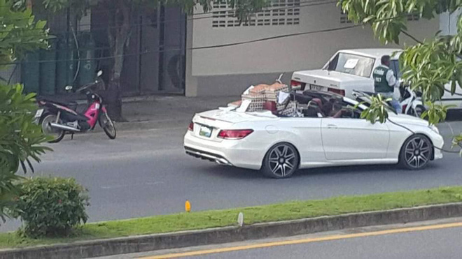 Sau vô lăng - Chuyện thật như đùa: Nữ tài xế lái Mercedes mui trần sang chảnh đi bán trứng gây sốt (Hình 2).