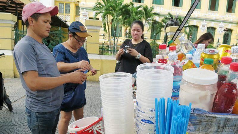 Việt Nam sẽ cấm đồ nhựa dùng 1 lần - Ảnh 2.