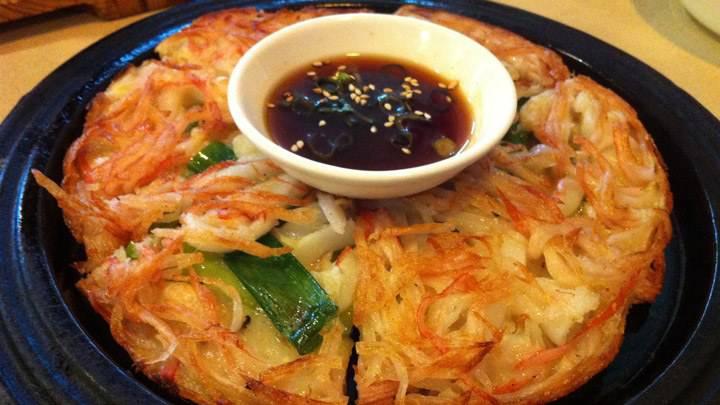 Mách mẹ cách làm bánh xèo Hàn Quốc thơm ngon hấp dẫn cho cả gia đình 2