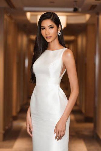 Á hậu Hoàng Thùy đẹp cuốn hút với làn da nâu nóng bỏng, nụ cười rạng rỡ chuẩn Miss Universe ảnh 8