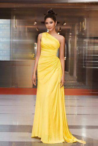 Á hậu Hoàng Thùy đẹp cuốn hút với làn da nâu nóng bỏng, nụ cười rạng rỡ chuẩn Miss Universe ảnh 2