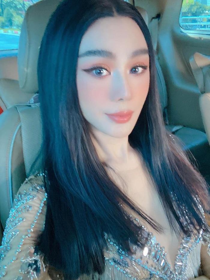 Lâm Khánh Chi khiến người hâm mộ không khỏi ngỡ ngàng trước vẻ ngoài xinh đẹp của mình