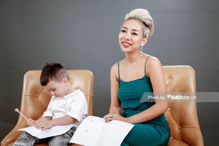 Thảo Trang bật khóc chia sẻ thông tin bí mật: Bố của con trai tôi đã qua đời ảnh 1
