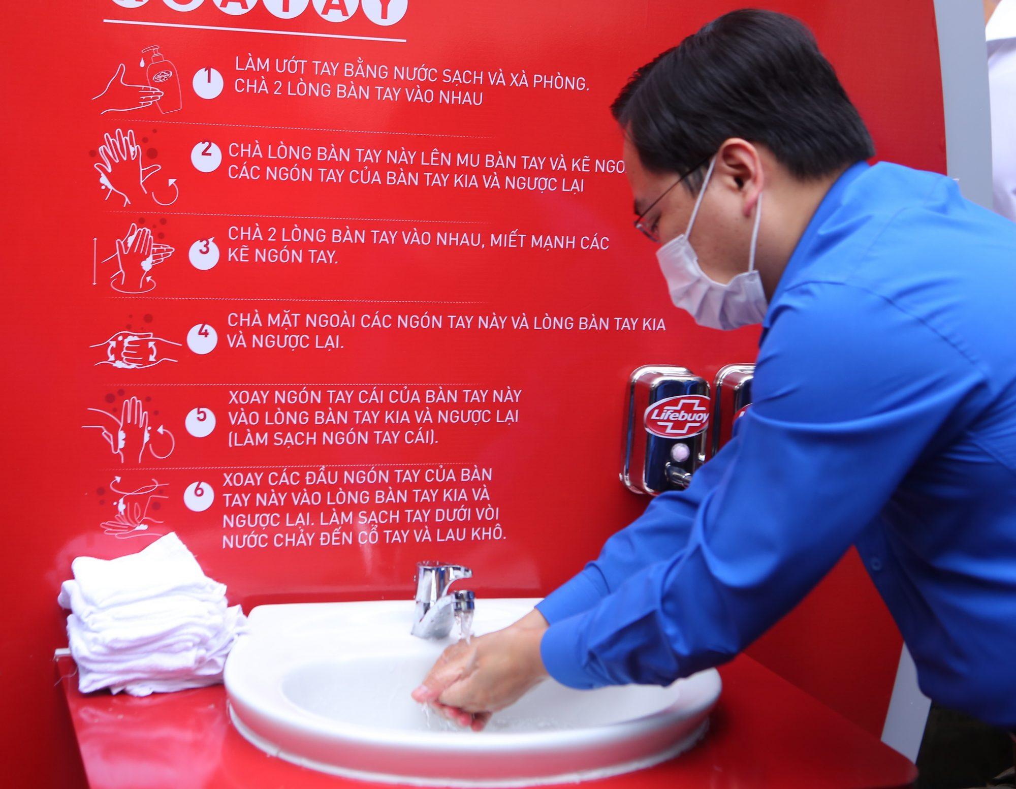 Sức khỏe - Chi Pu làm đại sứ của Quỹ 100 trạm rửa tay dã chiến phòng chống dịch Covid - 19 (Hình 6).