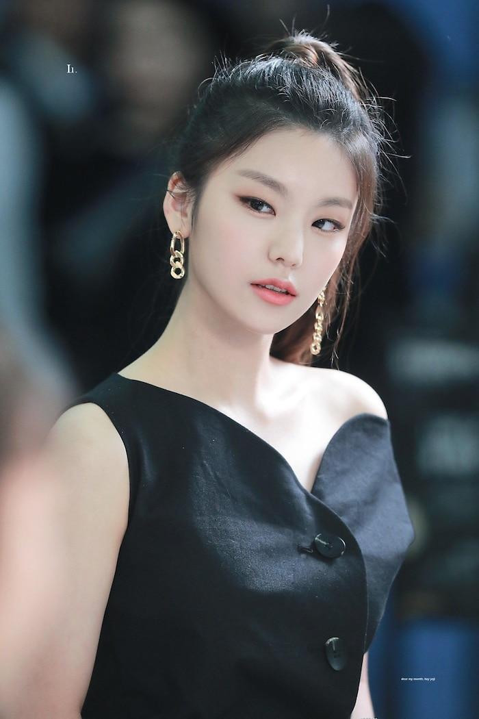 Netizen Hàn bình chọn top 10 idol nữ sở hữu gương mặt hoàn hảo ngay cả khi là nam ảnh 12