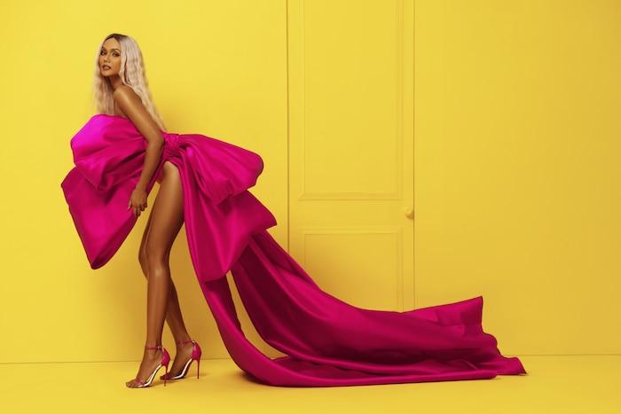 HHen Niê diện bikini hồng neon khoe trọn vẻ đẹp quyến rũ trong bộ ảnh mừng sinh nhật tuổi 28 ảnh 6