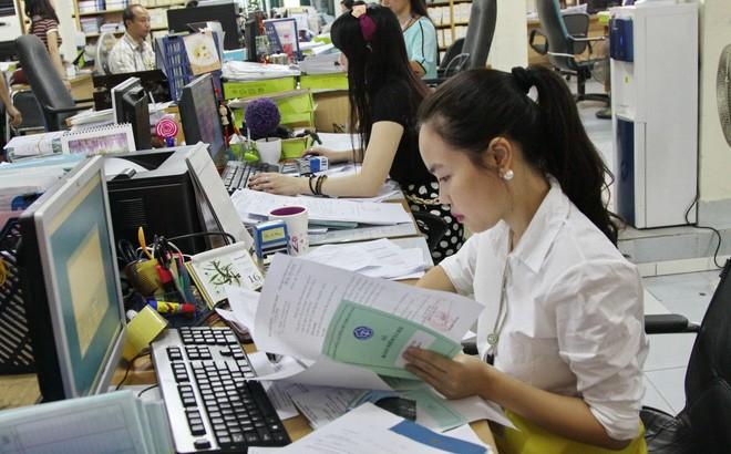 Chính sách - Chuyển sang đóng BHXH mức thấp hơn, lương hưu bị ảnh hưởng ra sao?