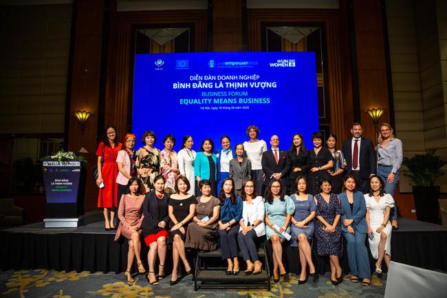 21 lãnh đạo doanh nghiệp tại Việt Nam đã ký tuyên bố ủng hộ nguyên tắc trao quyền cho phụ nữ tại nơi làm việc, trên thị trường và trong cộng đồng - Ảnh 1.