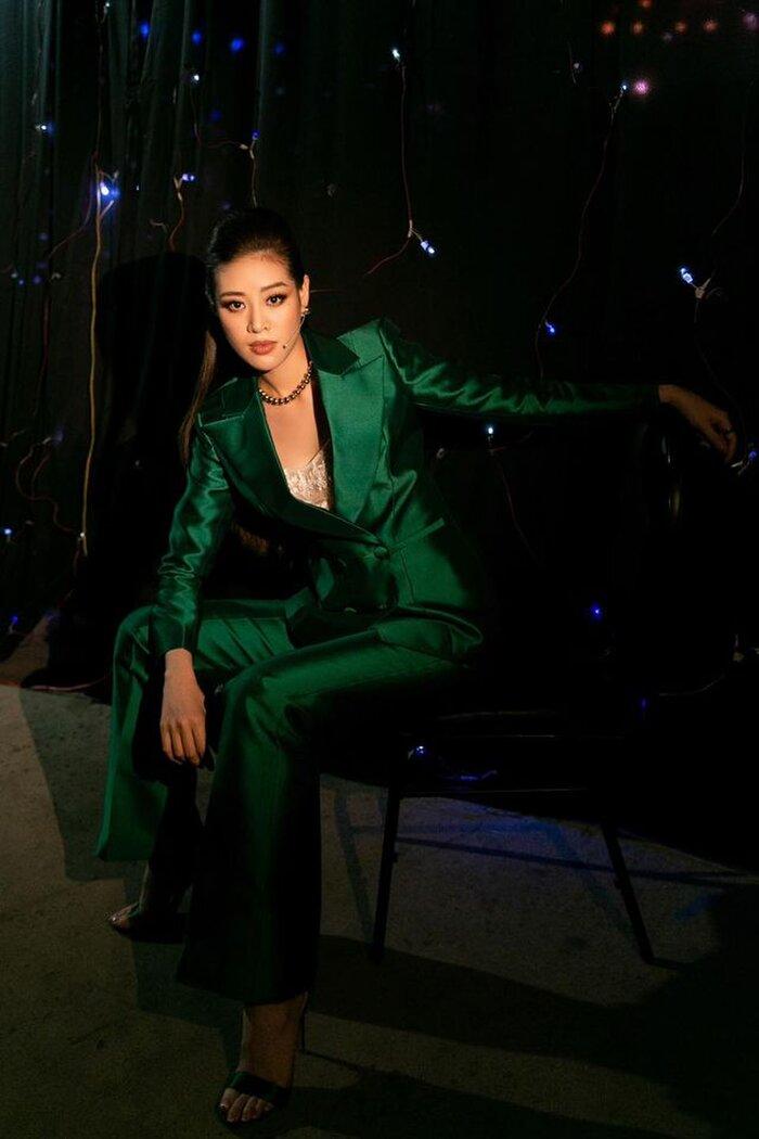 Ngoài áo dài, đây là kiểu trang phục Khánh Vân nên diện ở Miss Universe, H'Hen Niê đã 5 lần chơi lớn cơ đấy! Ảnh 22