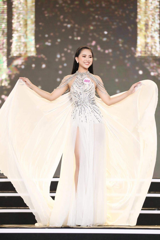Hoa hậu Việt Nam 2020: Thí sinh Phù Bảo Nghi gây sốc với thành tích học tập khủng