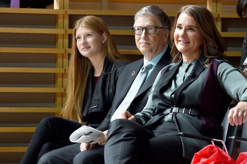 Bill Gates rất nghiêm khắc với các con trong việc dùng thiết bị điện tử.