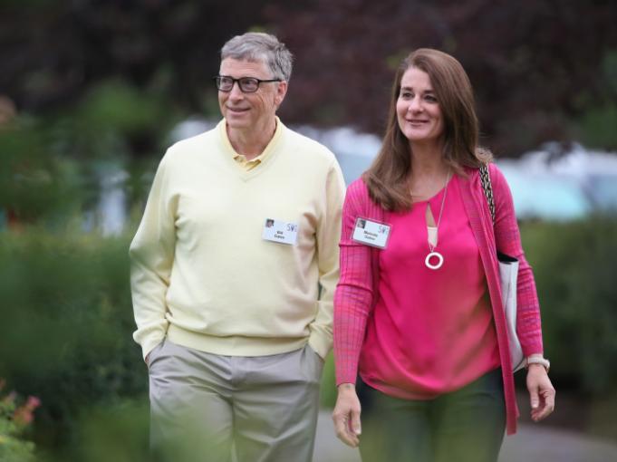 Việc giúp đỡ người bạn đời của mình cũng khiến Bill Gates cảm thấy mình là người chồng, người cha có trách nhiệm. (Nguồn ảnh: Elle.es)