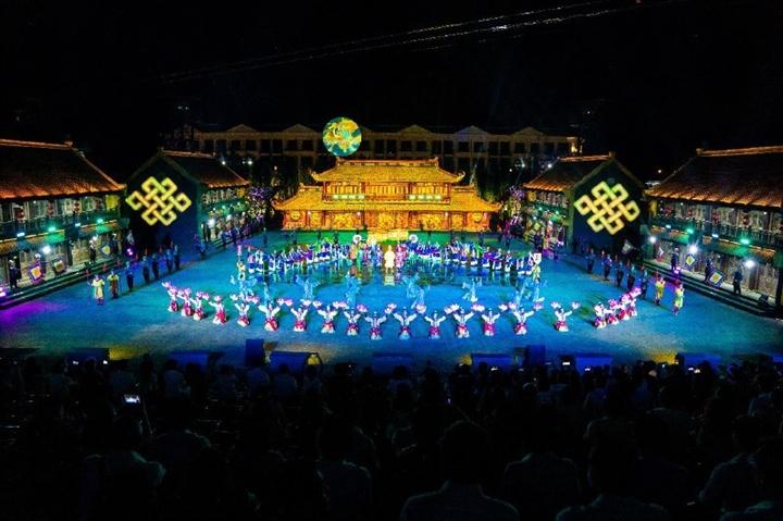 'Tinh hoa Việt Nam' là chương trình thực cảnh đặc sắc về văn hóa Việt Nam - 4